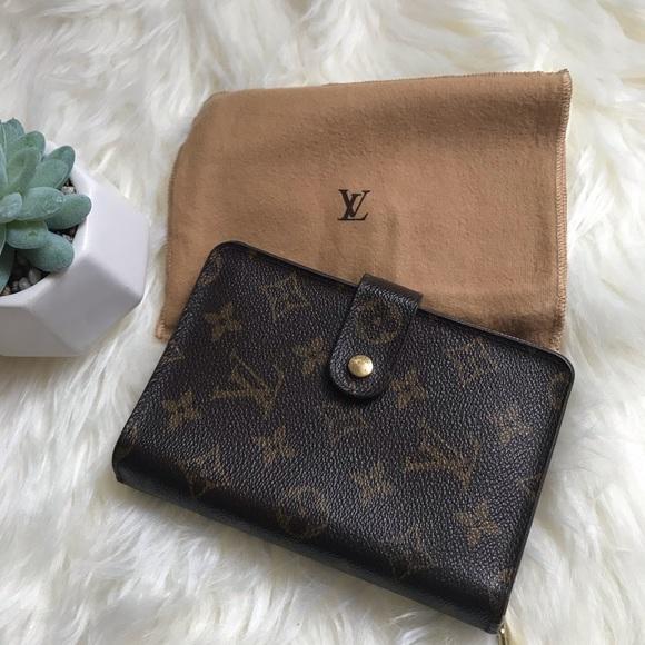 Louis Vuitton Handbags - Louis Vuitton Porte Papier Zippy Wallet(Authentic)